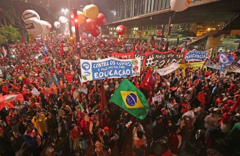 Frentes de movimentos e sindicatos realizam atos contra golpe nesta quinta (31)