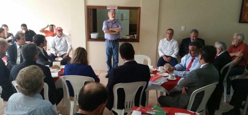 Parlamentares se comprometem com a Reforma Agrária e a defesa da democracia