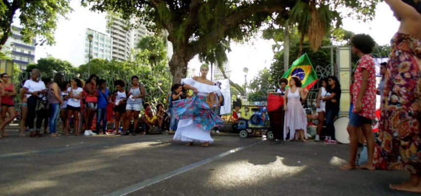 Por um projeto feminista e popular, artistas ocupam o Campo Grande na Bahia