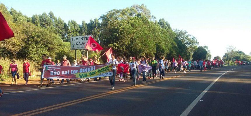 MST fecha rodovias por Reforma Agrária e pela Democracia, no PR