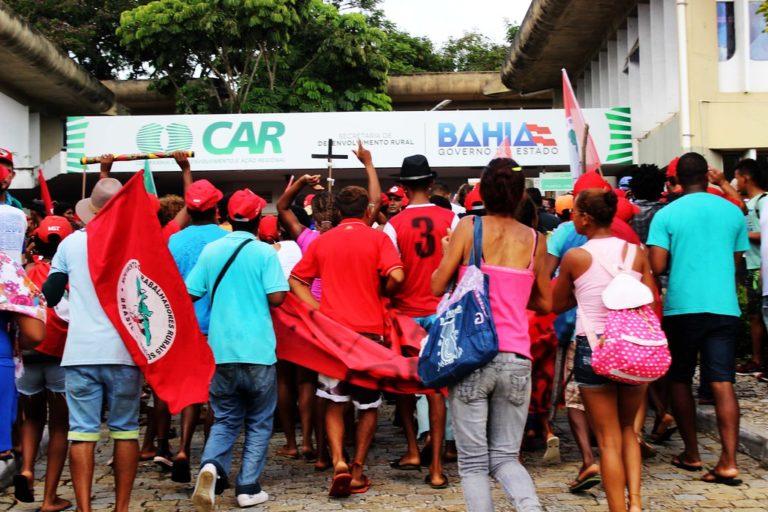 Secretarias são ocupadas por Sem Terra na Bahia