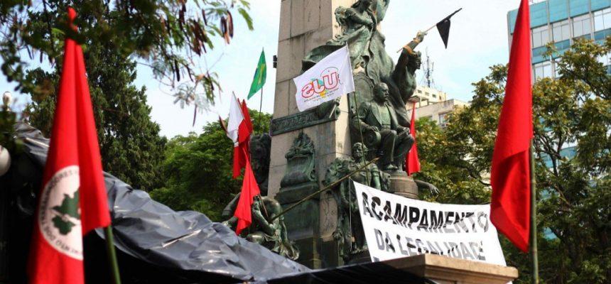 """Ou mudamos a forma de vida ou a vida será extinta"", diz presidente da Agapan"