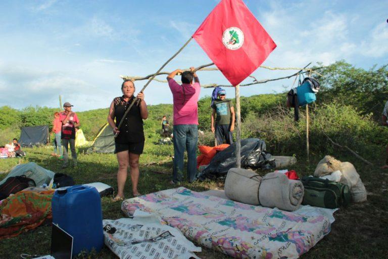 MST ocupa fazenda da família do senador José Maranhão na PB