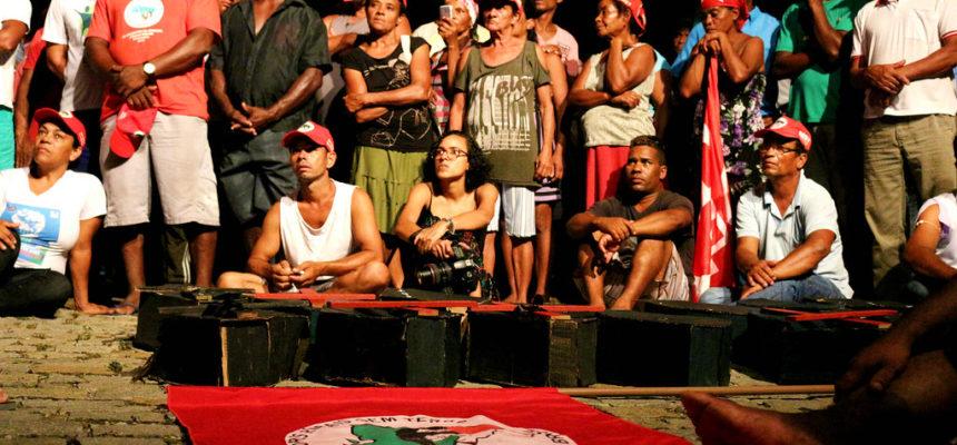 MST ocupa órgãos, em Salvador, pela Reforma Agrária e em defesa da democracia