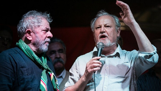Brasília: João Pedro Stedile é recebido por Acampamento Lula Livre nesta segunda