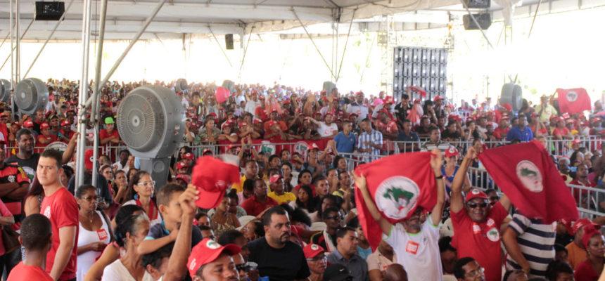 """Em ato político na Bahia, trabalhadores dizem  """"não ao golpe"""""""