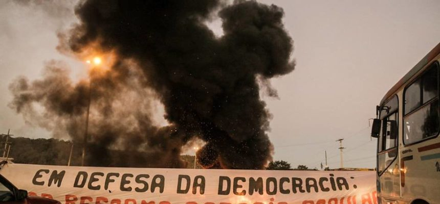 MST bloqueia rodovias do Distrito Federal em defesa da democracia