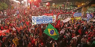 No dia do trabalhador, Frente Brasil Popular emite carta à população