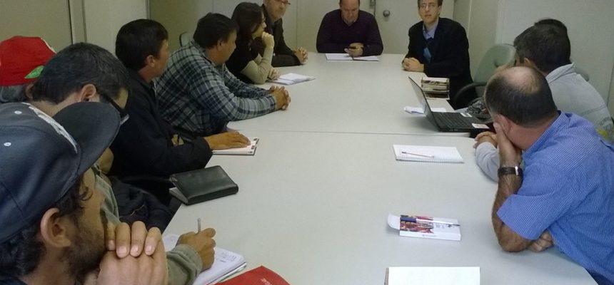 MST se reúne com Incra para discutir desapropriações no RS