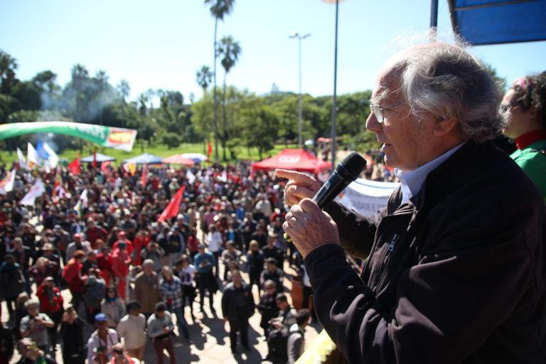 Prêmio Nobel da Paz denuncia golpe brando contra a democracia brasileira