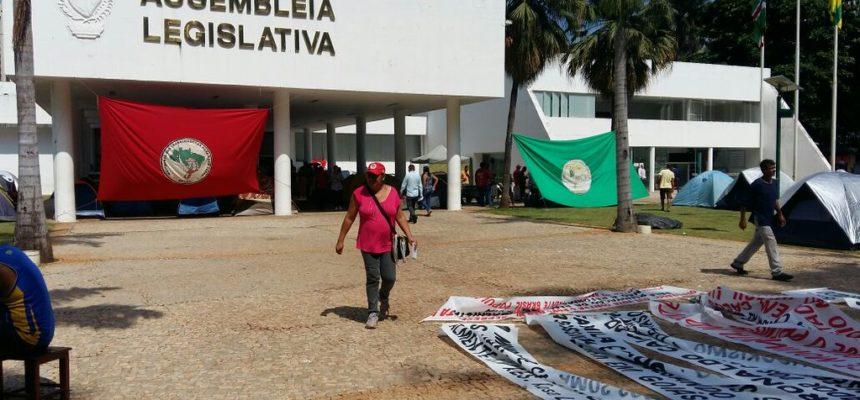 Mulheres do campo e da cidade realizam ato unificado no Goiás
