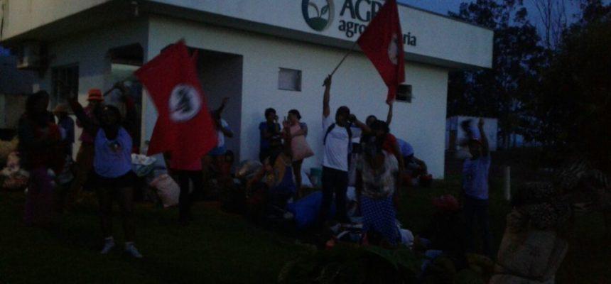 Camponesas ocupam área devedora da União em Mato Grosso