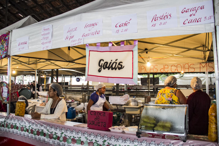 MST traz comidas típicas e sem agrotóxicos para a Feira da Reforma Agrária em SP