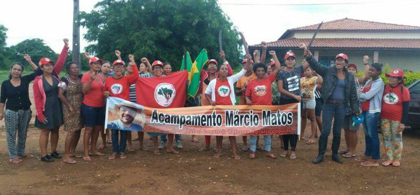 """""""8 de março é dia de luta"""", afirma dirigente do MST durante ocupação no Norte da Bahia"""