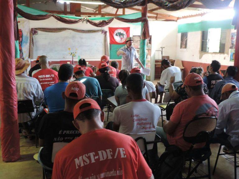 Sem Terra do DF e cidades do entorno participam de formação sobre direitos humanos e mobilização