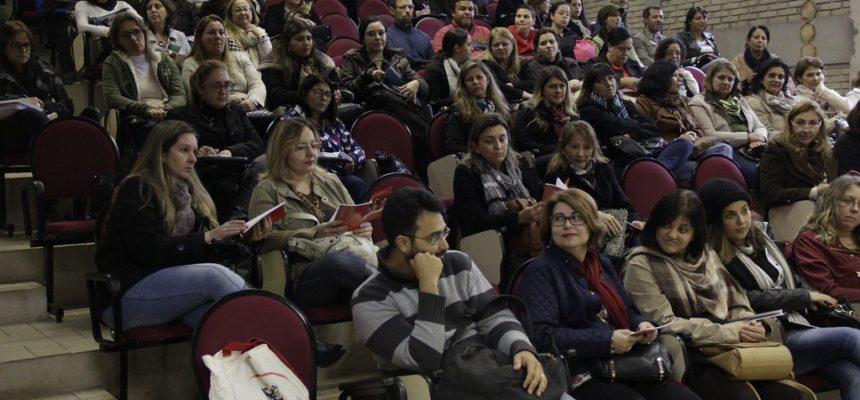 MST realiza encontro com professores universitários para debater função social da Universidade