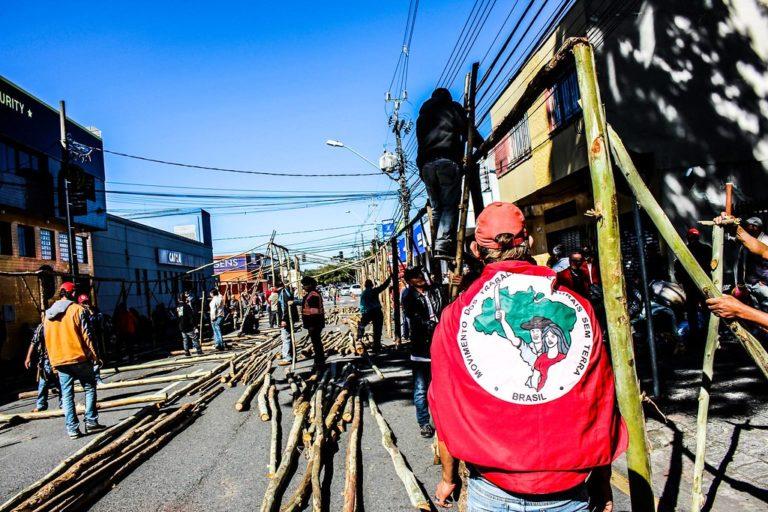Sem Terra monta acampamento no INCRA do Paraná