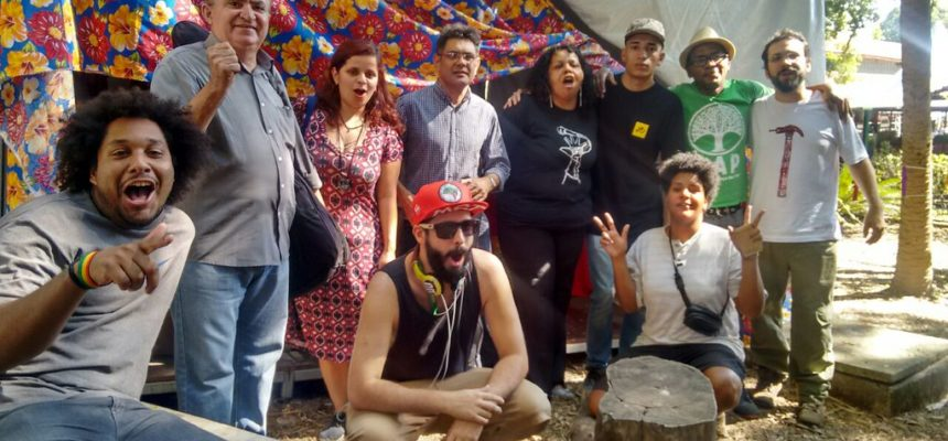 Semeadores de quilombos rimam poesia, rap e repente na Feira do MST