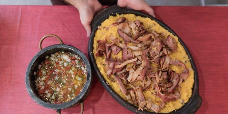 Chefs usam produtos agroecológicos em pratos preparados na Feira