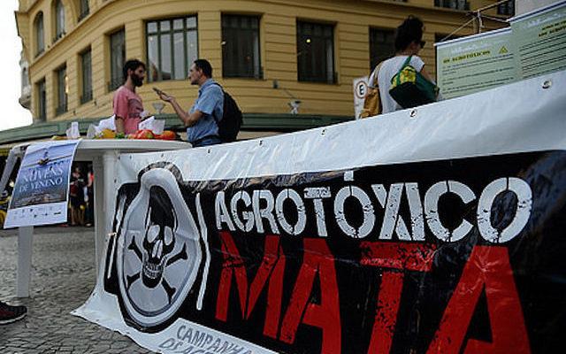 Agricultura da morte: estudo mostra que produtos brasileiros têm alto nível de veneno