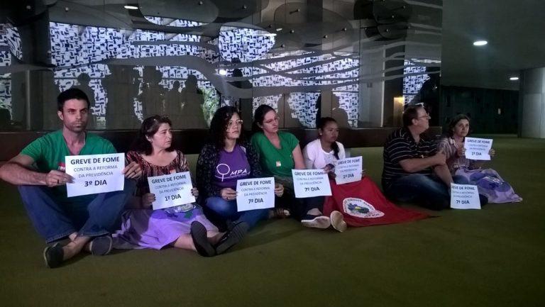 7º dia de Greve de Fome: grevistas voltam para Câmara dos Deputados em maior número