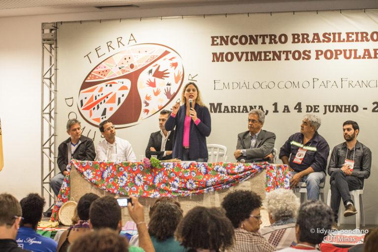 Movimentos populares propõem saídas para crise socioambiental a papa Francisco