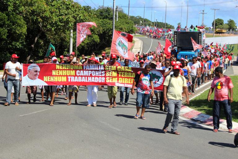 Sem Terra ocupam o Incra em toda Bahia