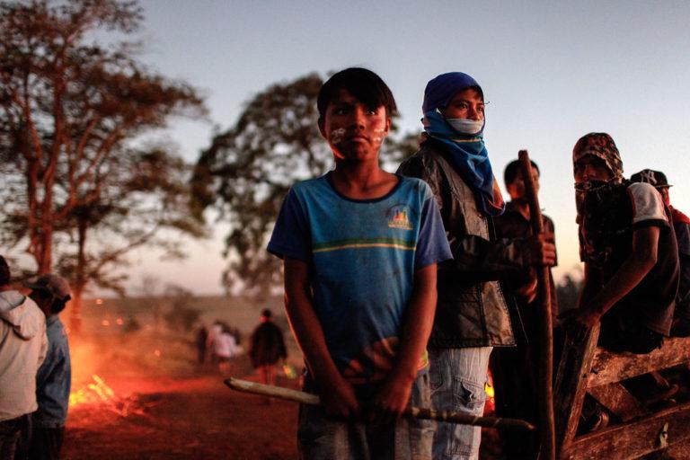 Polícia irá despejar acampamentos Guarani e Kaiowá nesta segunda em Caarapó (MS)