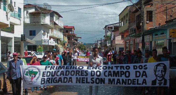 Na Bahia, educadores são ameaçados por protestar contra o governo Temer