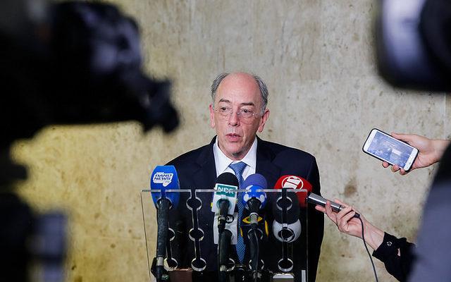 Petroleiros iniciam greve de alerta contra gestão de Parente nesta quarta-feira