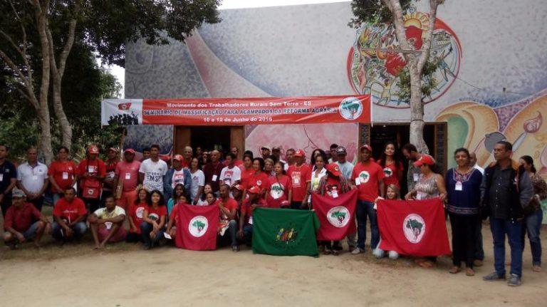 Militantes prestam solidariedade a Valdir Misnerovicz e Luiz Batista