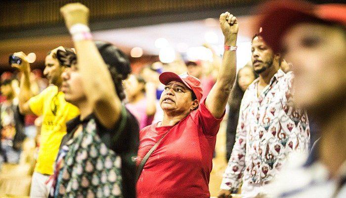 Cabe ao povo criar o significado revolucionário da palavra 'Cultura', afirmam debatedores