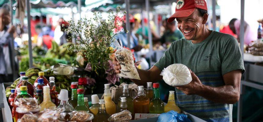 25 mil pessoas participam da 4º Feira Estadual da Reforma Agrária, em Salvador