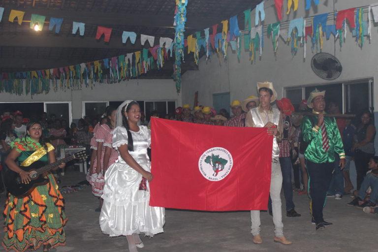 Juventude Sem Terra realiza festival junino em AL