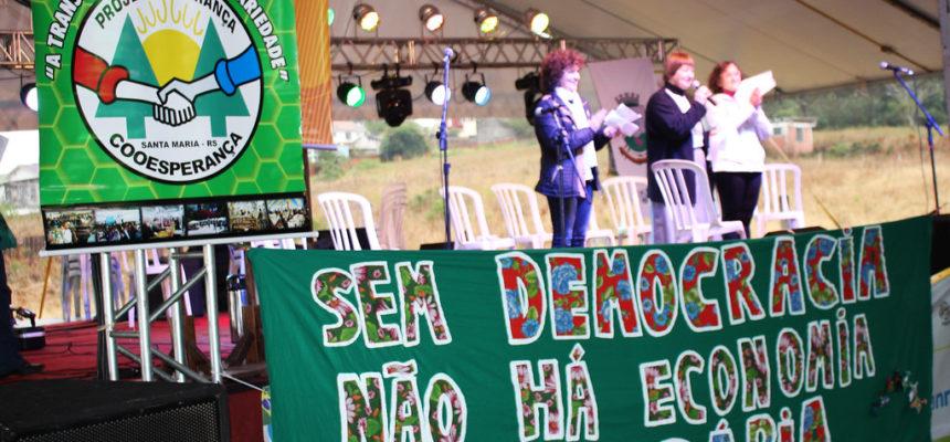 """""""Fora Temer"""": Movimento Nacional de Economia Solidária diz não ao governo golpista"""