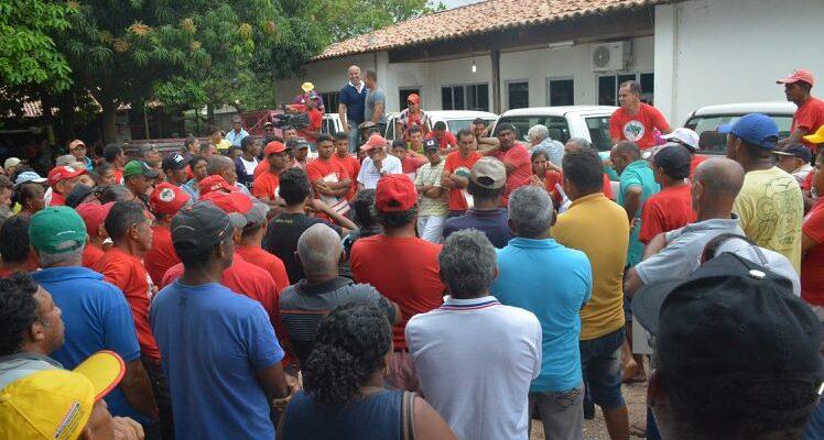 Sem Terras desocupam Incra em Imperatriz no Maranhão
