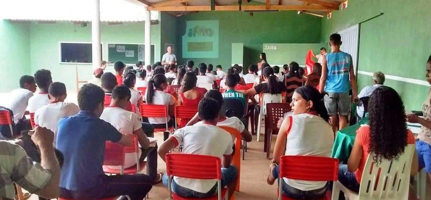 No Maranhão juventude Sem Terra debate organização nas escolas