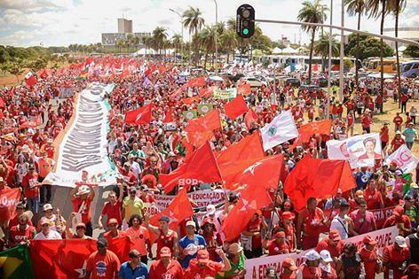 Em carta, Frente Brasil Popular reafirma luta em defesa da democracia