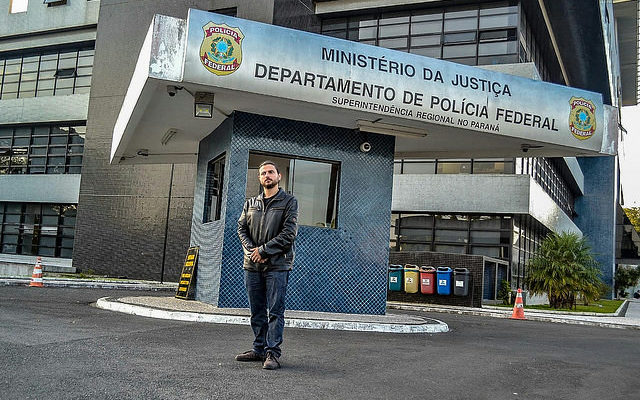 PF proíbe visita de assessor do papa Francisco a Lula