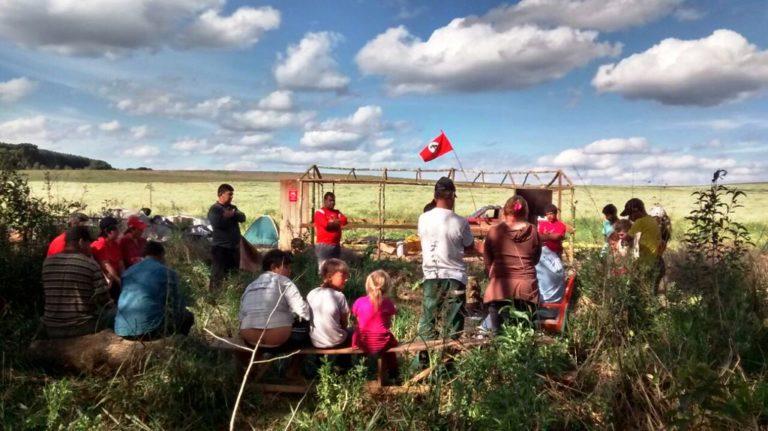 MST intensifica a luta pela terra em Santa Catarina