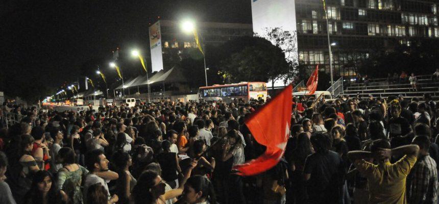 """""""Aos movimentos populares sempre coube a luta por direitos"""", afirma dirigente"""