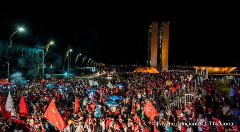 MST repudia golpe e afirma seguir na luta pela restauração da democracia brasileira