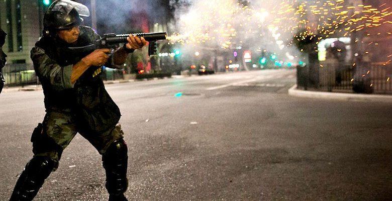 O uso da força só corrobora o despreparo de uma instituição militarizada
