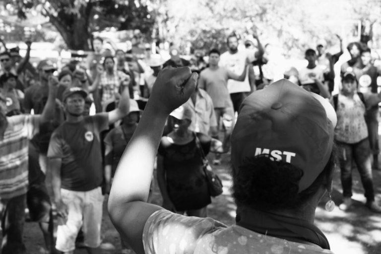 MST ocupa fazenda improdutiva ligada à senadora Ana Amélia em Formosa