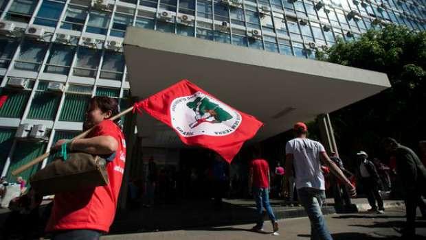 Orçamento de Temer corta verba para Reforma Agrária