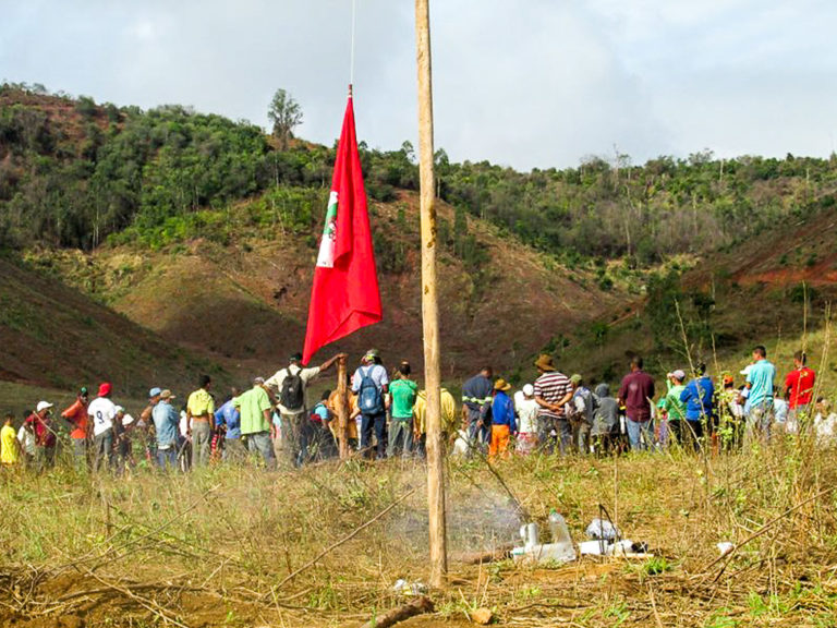 Latifúndio de dez mil hectares é ocupado no Vale do Rio Doce