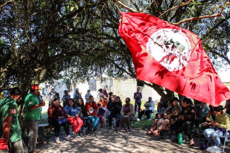 Da lona preta para alvenaria: famílias Sem Terra comemoram conquistas de moradias no RS