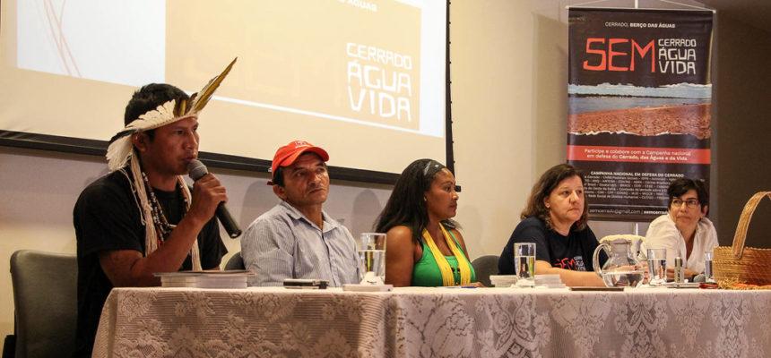 """""""Nós temos que lutar, para defender a água, a vida e o nosso território""""."""