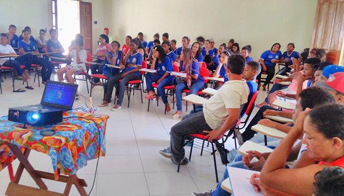 Escola Popular promove intercâmbio com estudantes da rede estadual de ensino