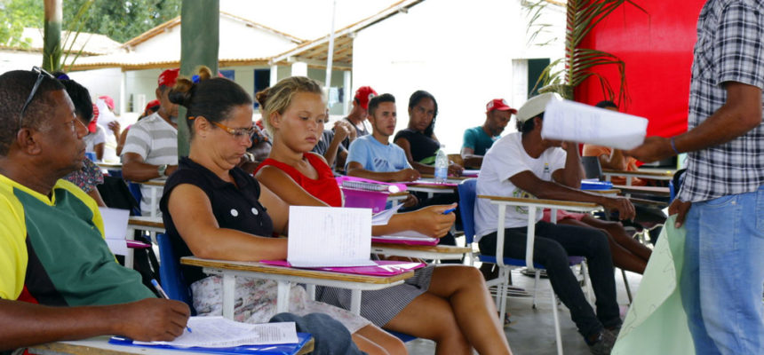 Sem Terra realizam curso de formação intersetorial no extremo sul da Bahia